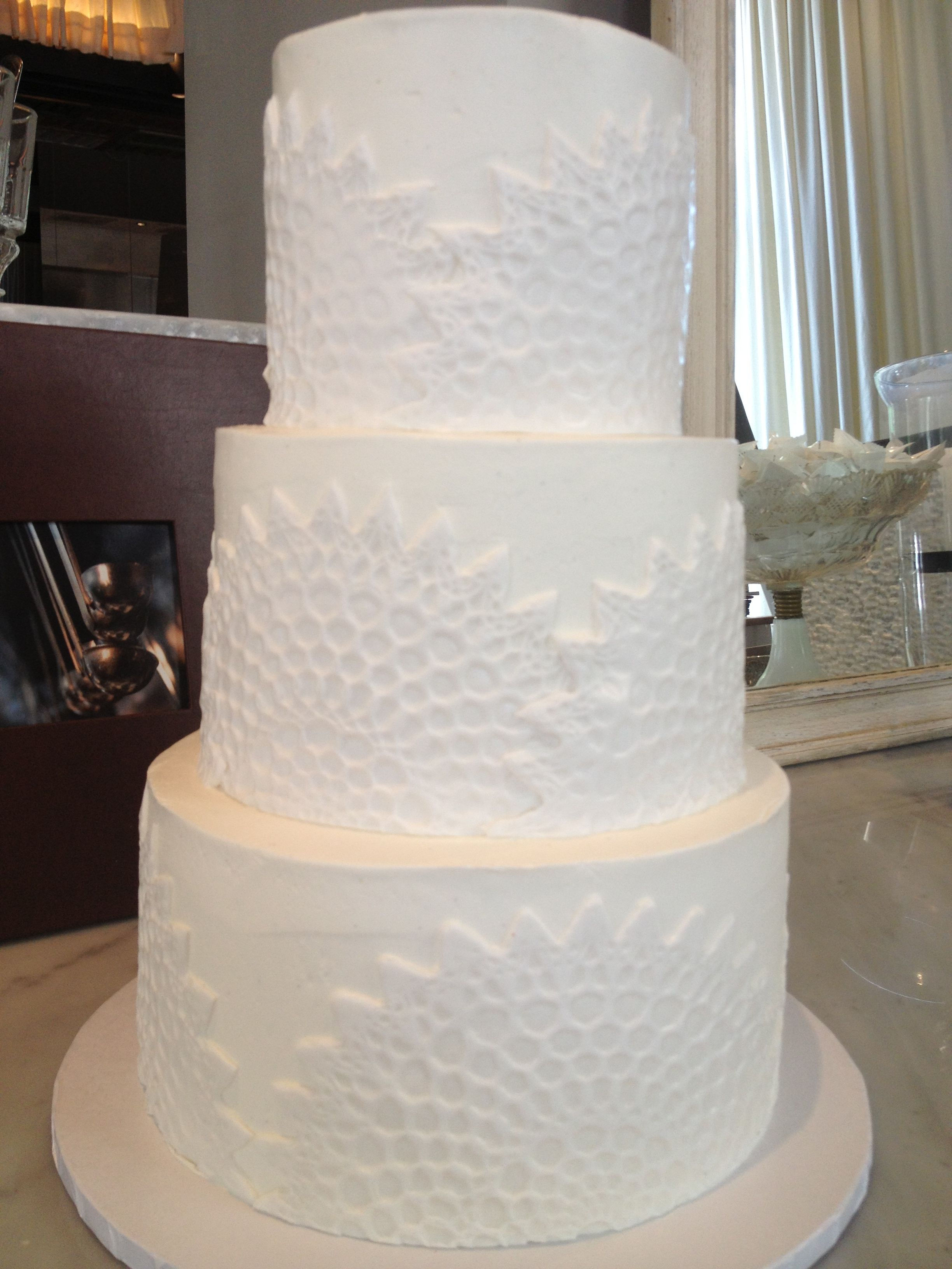 Cake With Fondant Lace : Buttercream cake with fondant lace doily applique. Lace ...