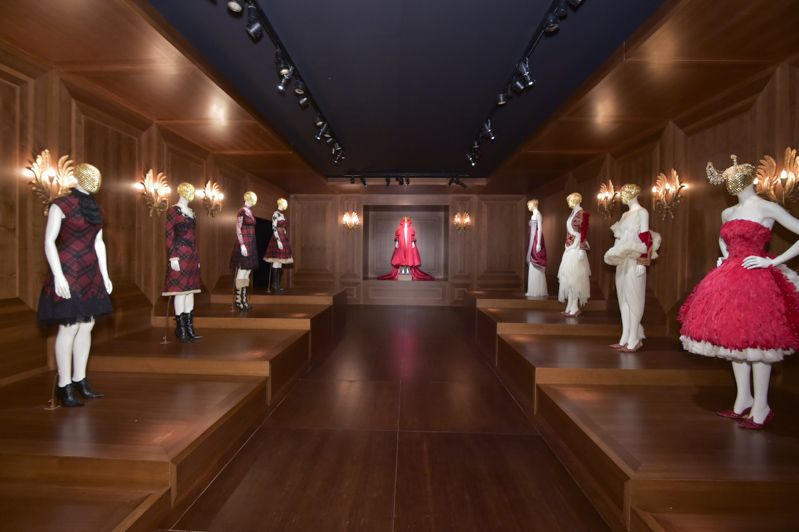 A View From Inside The Alexander McQueen Savage Beauty