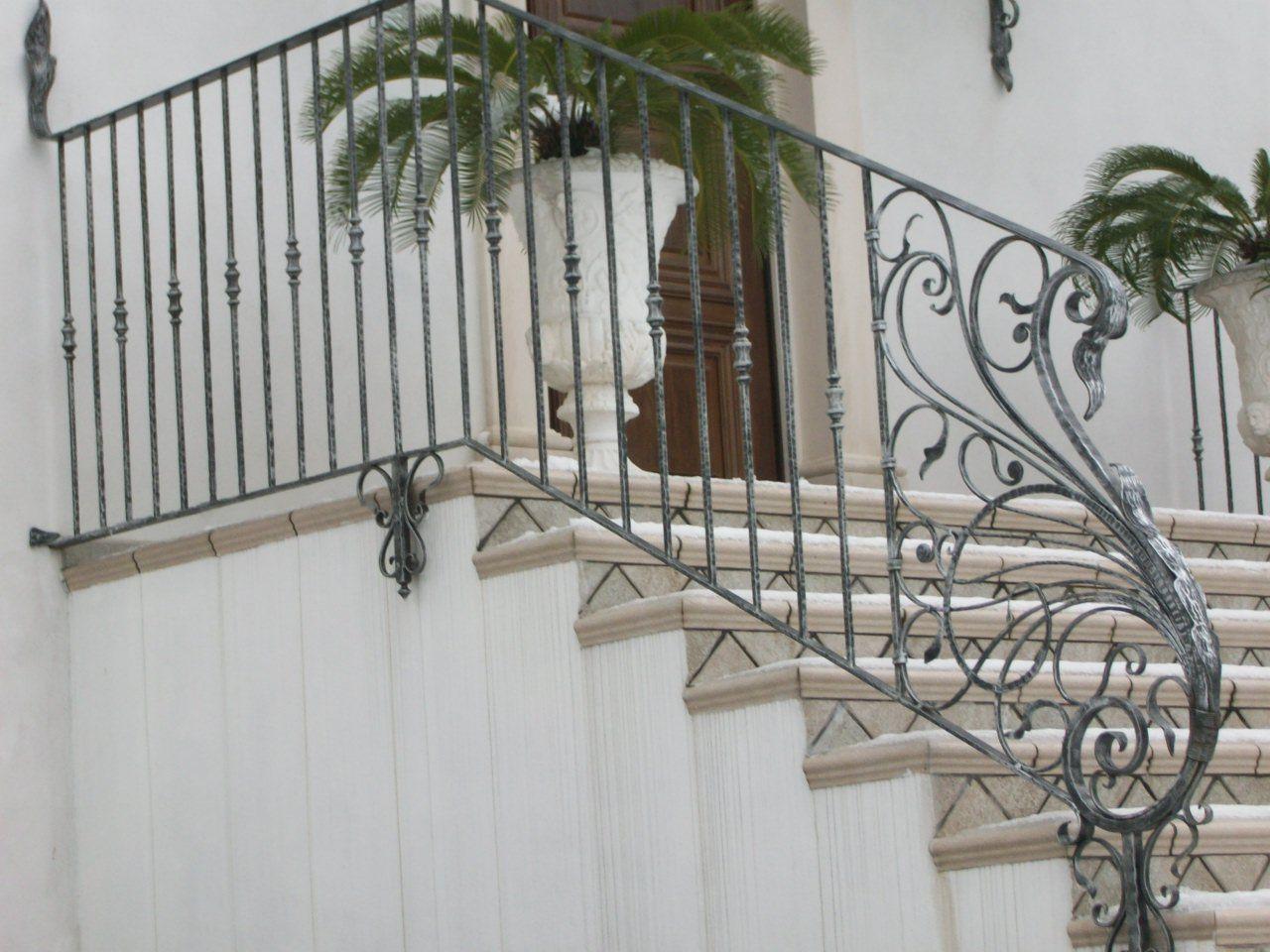 Balaustre esterne creazioni artigianali in ferro for Ringhiere ferro battuto per esterno