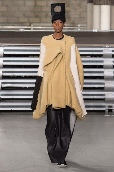 View the complete Fall 2017 collection from Rick Owens.