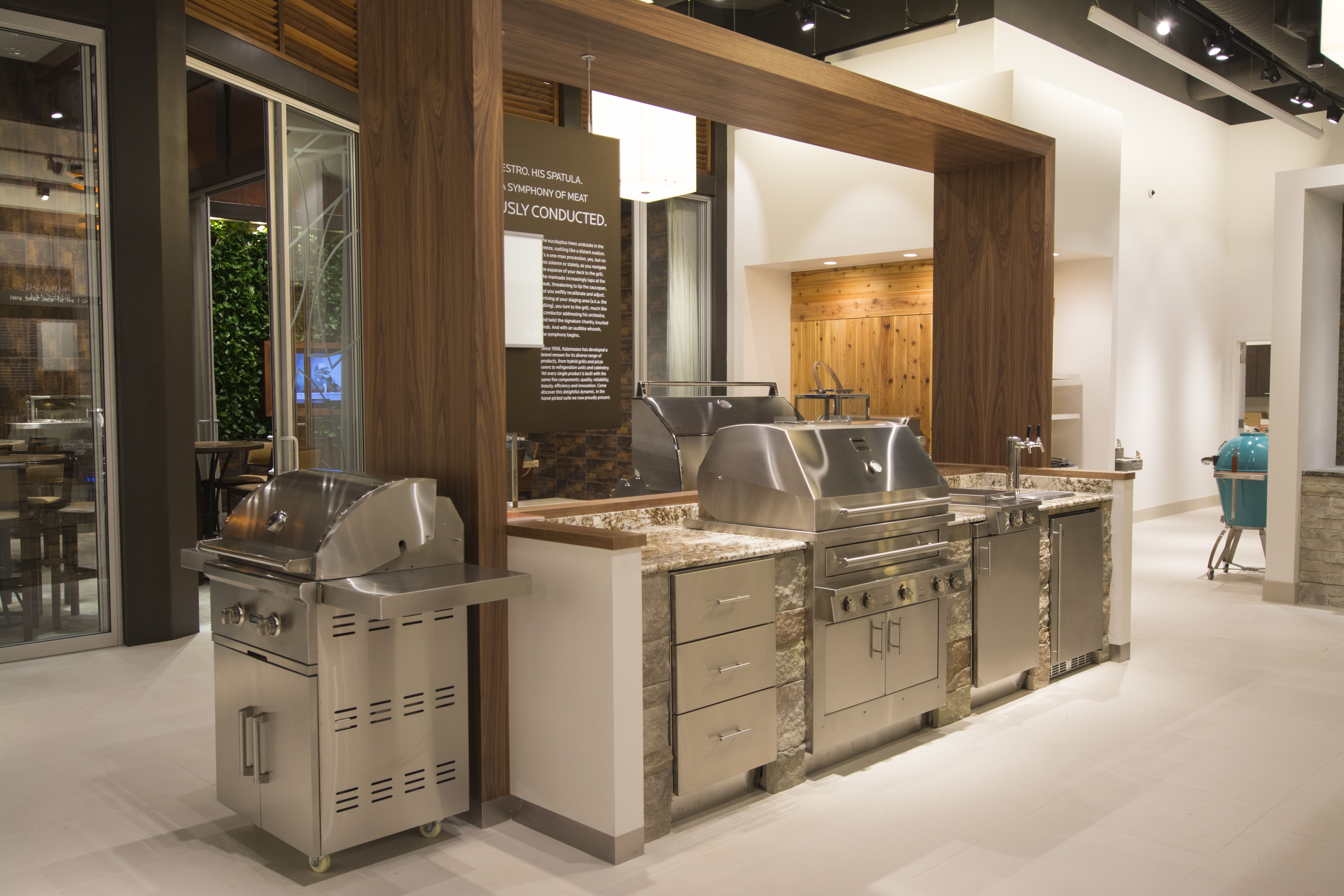 Outdoor kitchen display at PIRCH, Atlanta featuring