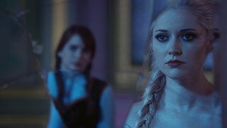 Emma Captures The Snow Queen And Ingrid Discovers Her Ice Powers Documentaries Once Upon A Time Tv Seasons