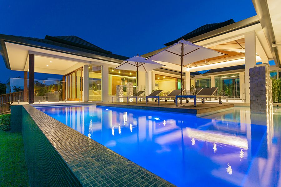 Chris clout design modern tropical resort bali house with for Pool design bali