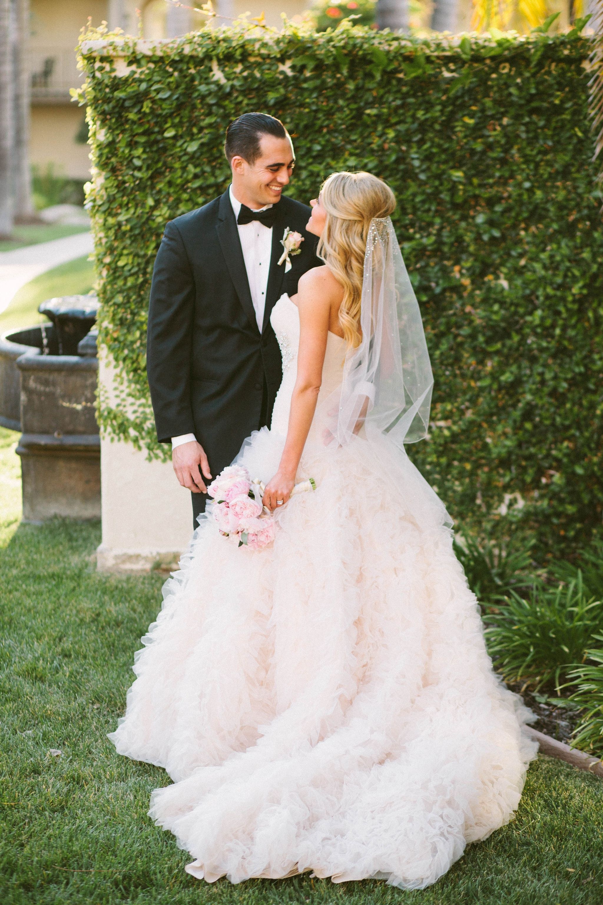 Mila kunis wedding dress   Adorable Wedding Hairstyles To Rock With A Veil  Veil Rock and