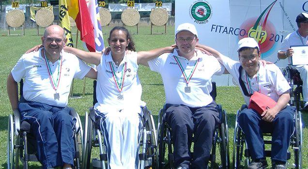 L'azzurra Mariangela Perna, dell'A.s.h.d. Novara, ha vinto il titolo italiano assoluto femminile nell'arco olimpico al 25° Campionato Italiano Outdoor Para-Archery, svoltosi a Sarzana il 16 e 17 giugno 2012.