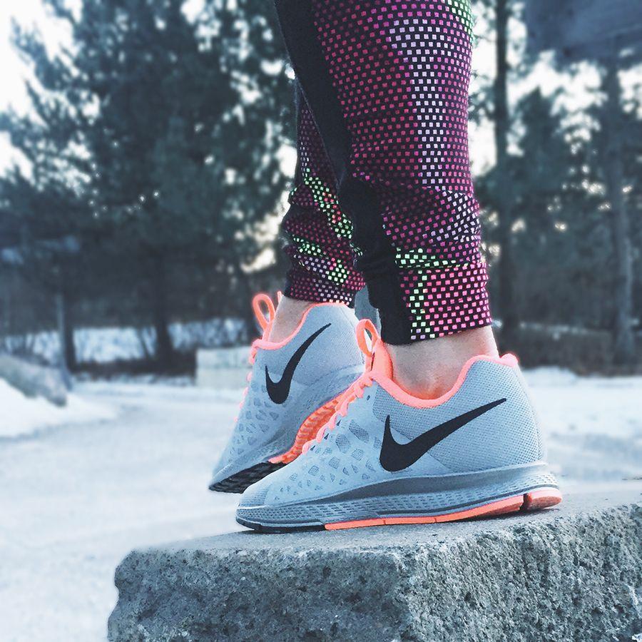 Nike Air Zoom Pegasus 31 Flash Women's Running Shoe