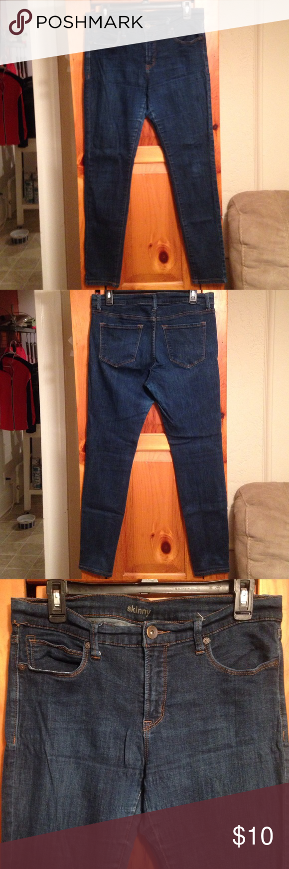 """CLEARANCE! JCP SKINNY JEANS Women's 14/31 Excellent condition cotton blend skinny blue jeans by JC PENNEY. Size women's 14. Inseam: 28.5"""". Rise: 9.25"""". Waist: 17"""" across lying flat. Material: 99% cotton, 1% spandex. Has some wear in crotch. See pics. jcpenney Jeans Skinny"""