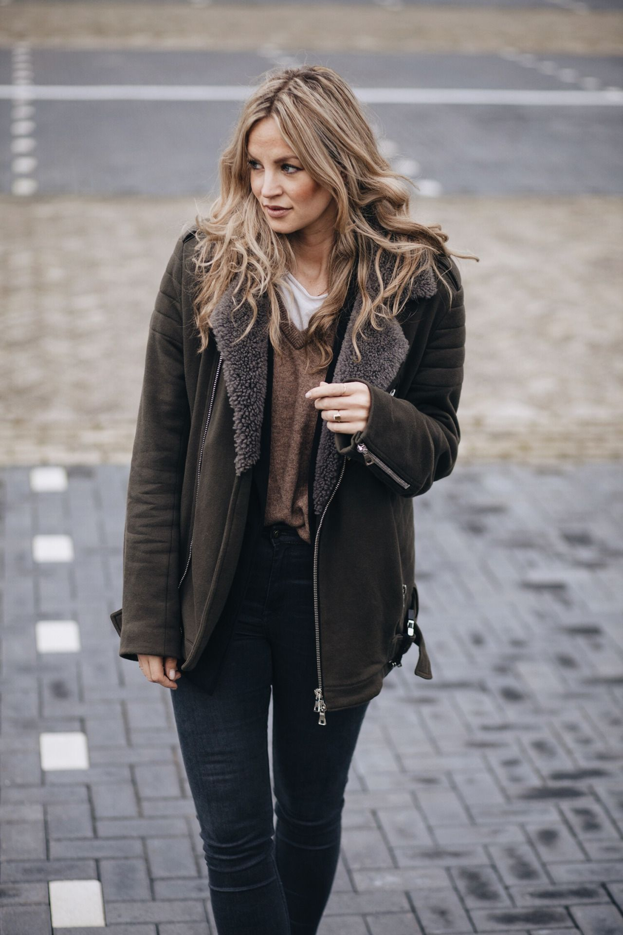 30 Great Outfits That Will Show You How To Wear The Shearling ...