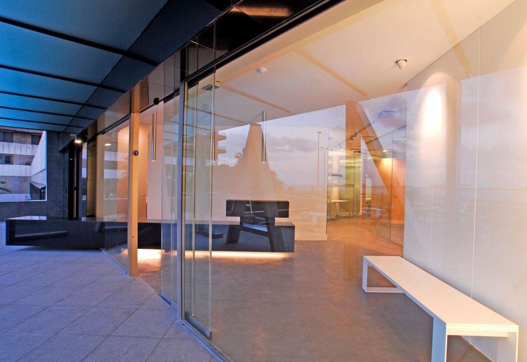 Oficinas Atlantis_Vista exterior vestíbulo