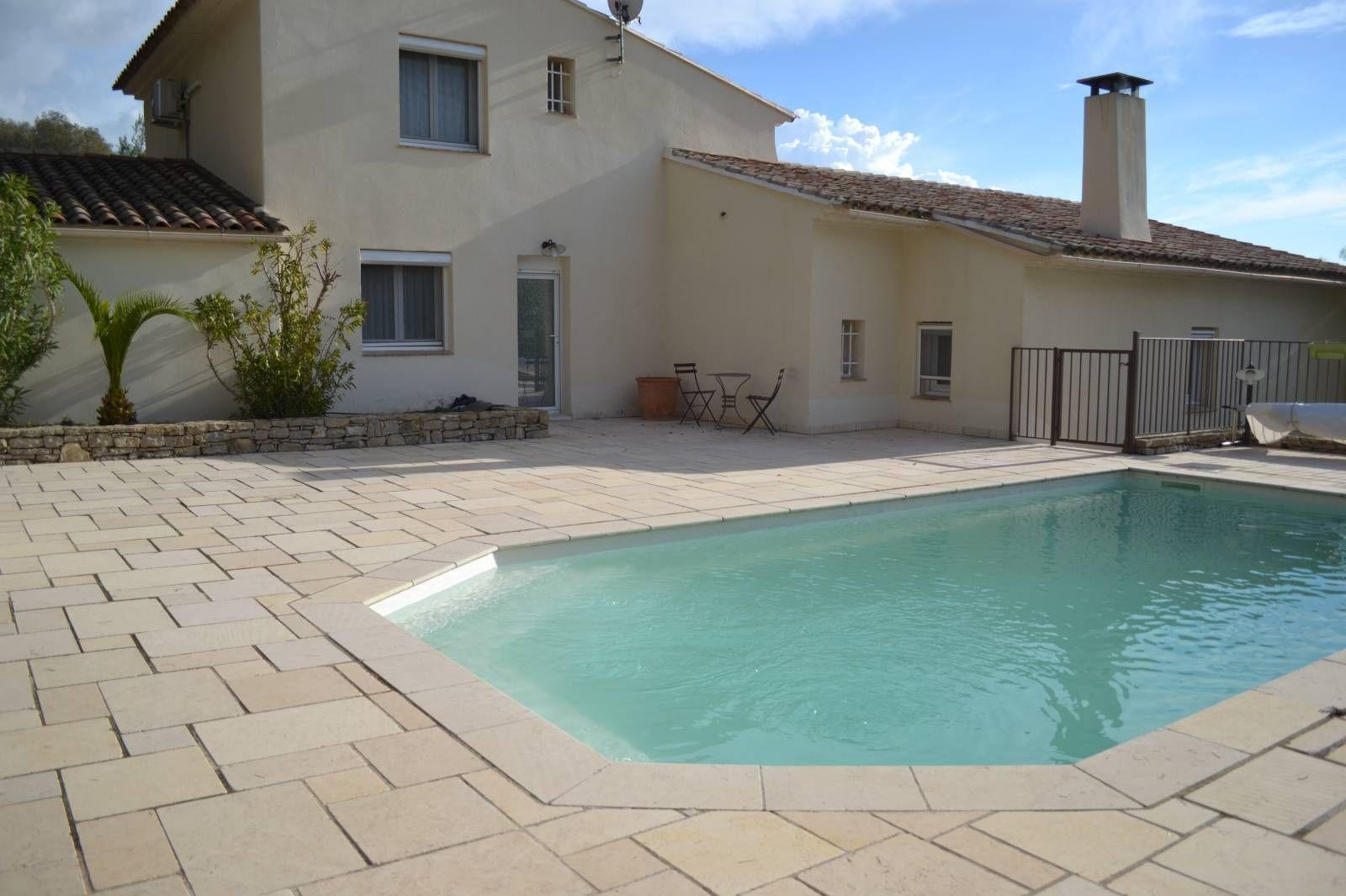 A La Vente Villa Prestigieuse Entre Sanary Et Bandol Sanary Sur