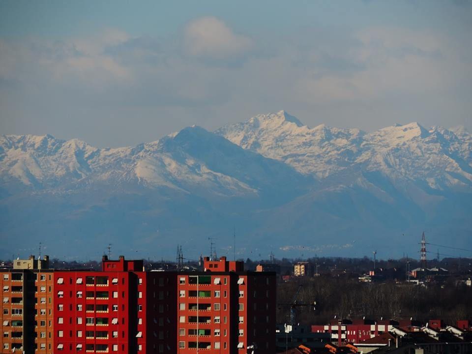 @RobRe62: #Milano Dalla cima del Monte Stella lo scatto di Chiara Calabrese #milanodavedere https://t.co/gqYbRT5QCo via @Milanodavedere