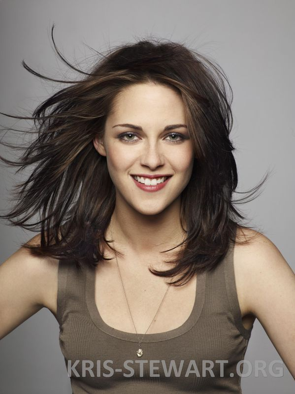 Kristen Stewart Mid/Medium Length Hair With Lots of Layers absolutely love  it!