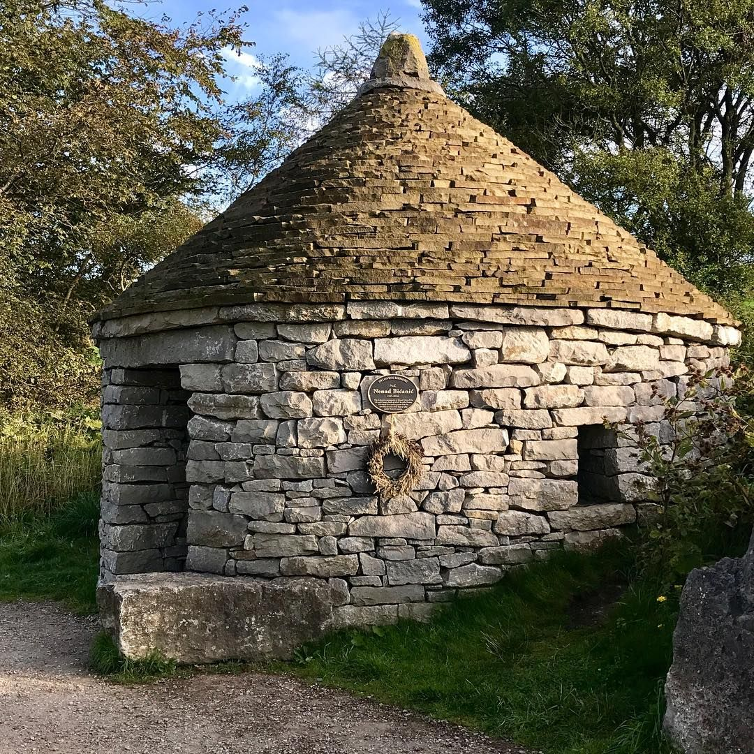 Park Hut Structures: Croatian Hut Built By Croatian Drystone Wallers And Local