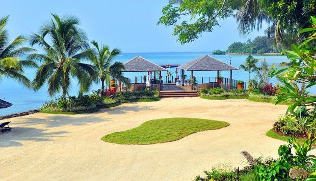 Warwick Le Lagon Resort Spa