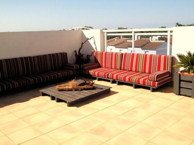 terrasse balkon möbel europaletten holz bauen sitzkissen | Ideen ...