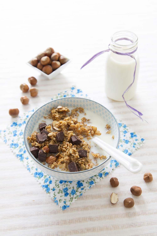 Crunchy granola noisettes chocolat | Recette | Chocolat ...