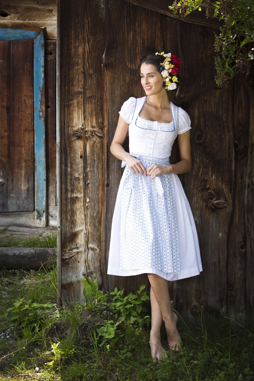Warum nicht in einem Dirndel heiraten? Wundervolle Brautkleider gibt ...