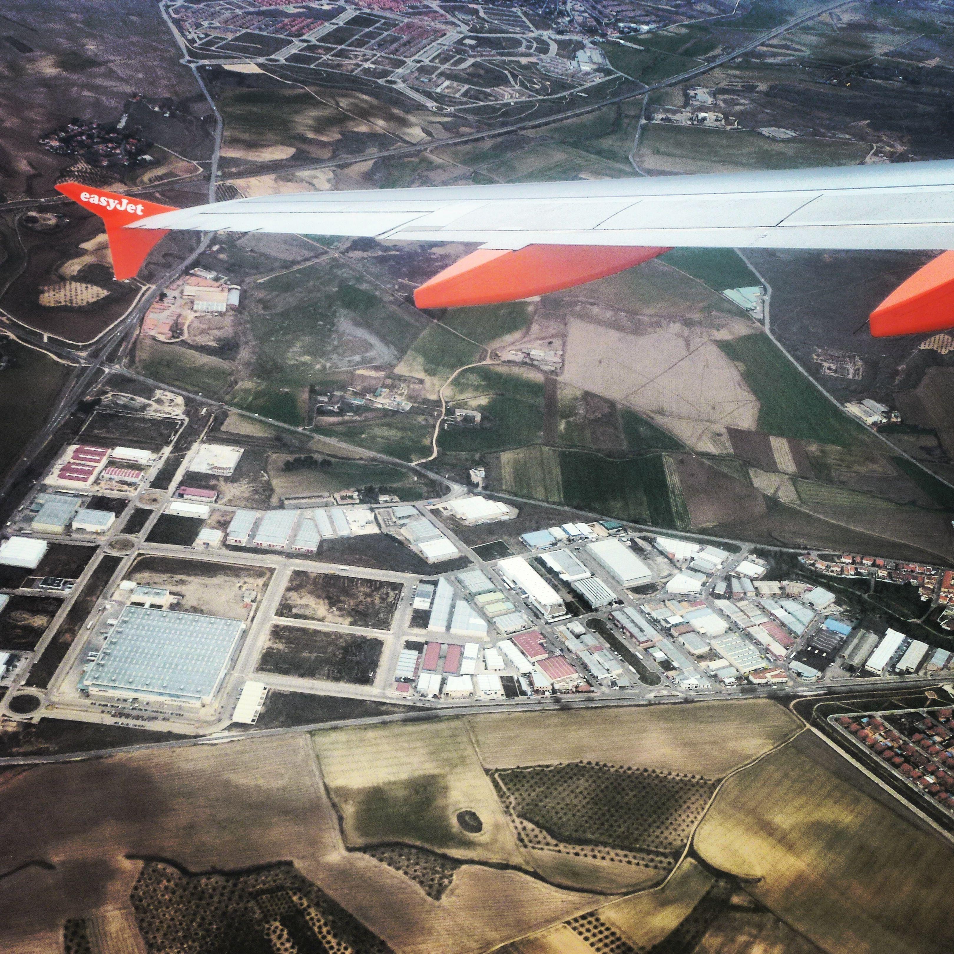 Hoy viaje de altos vuelos #recuerdo # vistaaérea #panoramica #próximo destino Milán #nosvemosenlastiendas #fly #volar #aircaft #easyjet