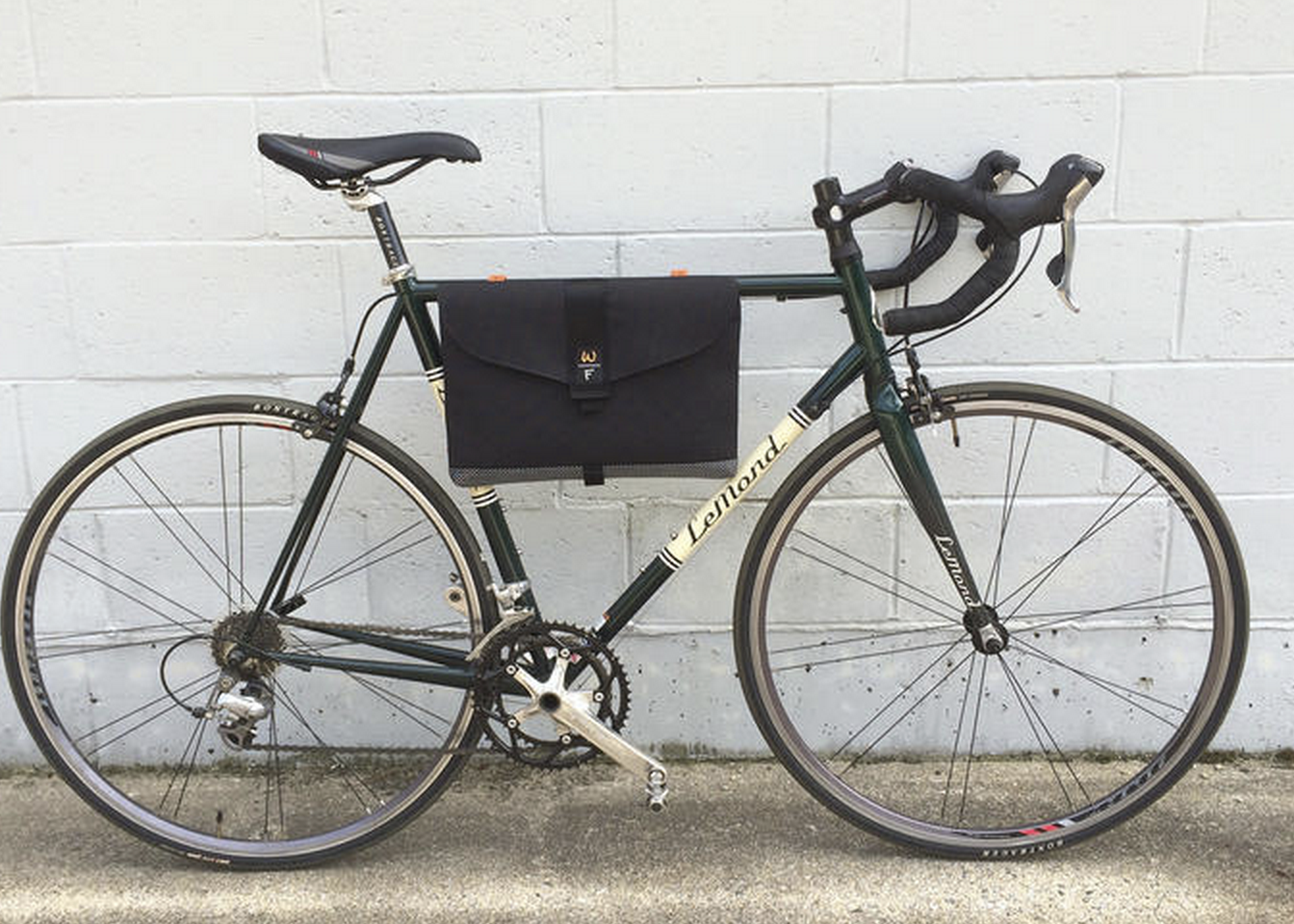 Custom Frame Bag for Laptops http://www.bikeforums.net/commuting ...