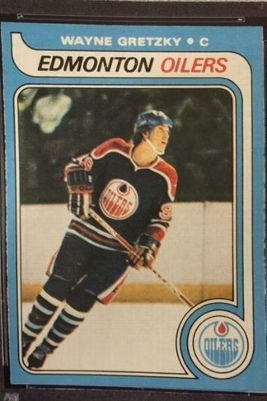 Gretzky Rookie Card Sells For Record 465k Hockey Cards Wayne Gretzky Hockey
