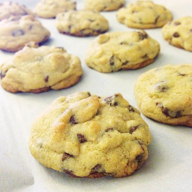 beautifully easy chocolate chip cookie recipe... making these right now, omg they smell devinnnneeee! <3