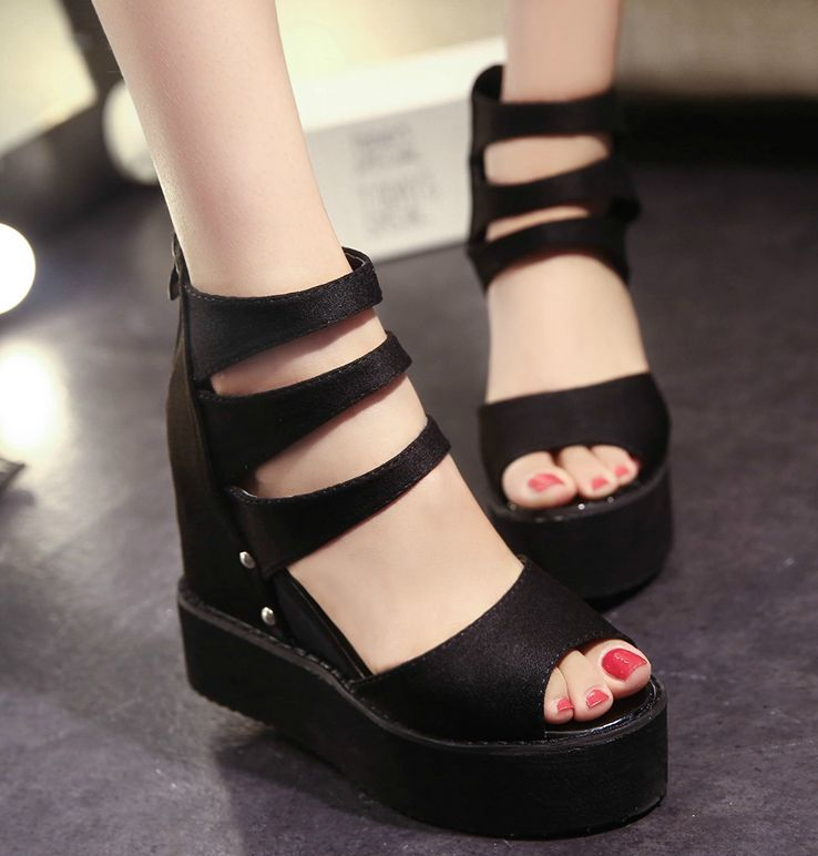 Cm A For Look Edgy 5 Platforms Stylish 7 Strapped Wedge 5 1TFKulc3J5