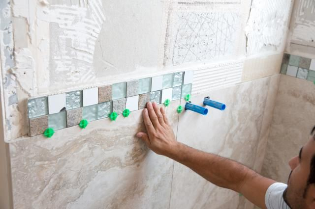 Here's a Simple Step-By-Step Guide to Tiling a Shower Stall or Alcove #bathroomtileshowers