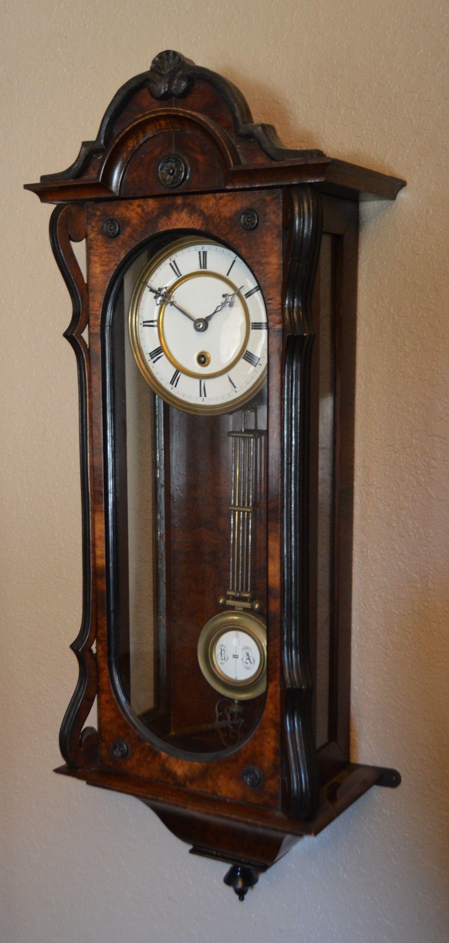 Swinging pendulum clock repair