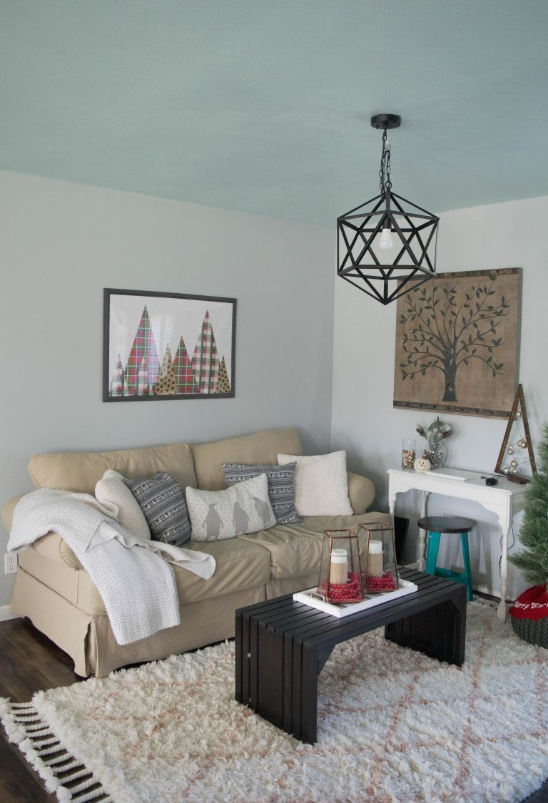 Holiday Home Tour Filled With Diy Simple & Low Cost Ideas Captivating Low Cost Living Room Design Ideas Inspiration Design