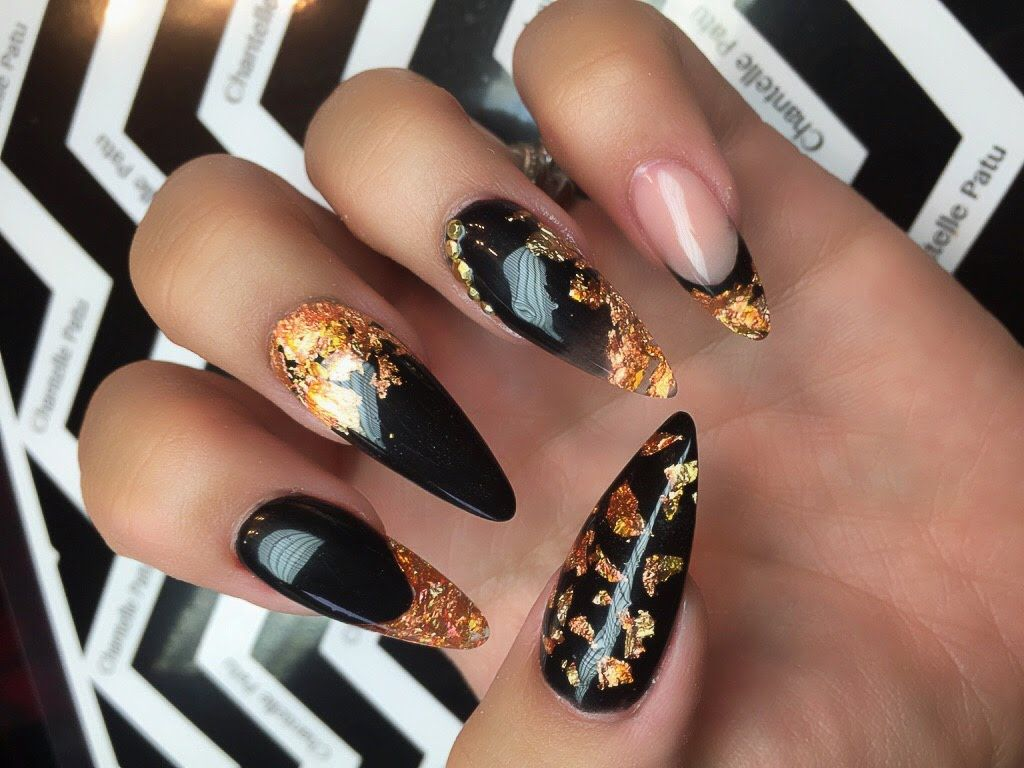Black Stiletto Nails With Gold Foil Black Acrylic Nail Designs Gold Acrylic Nails Foil Nail Art