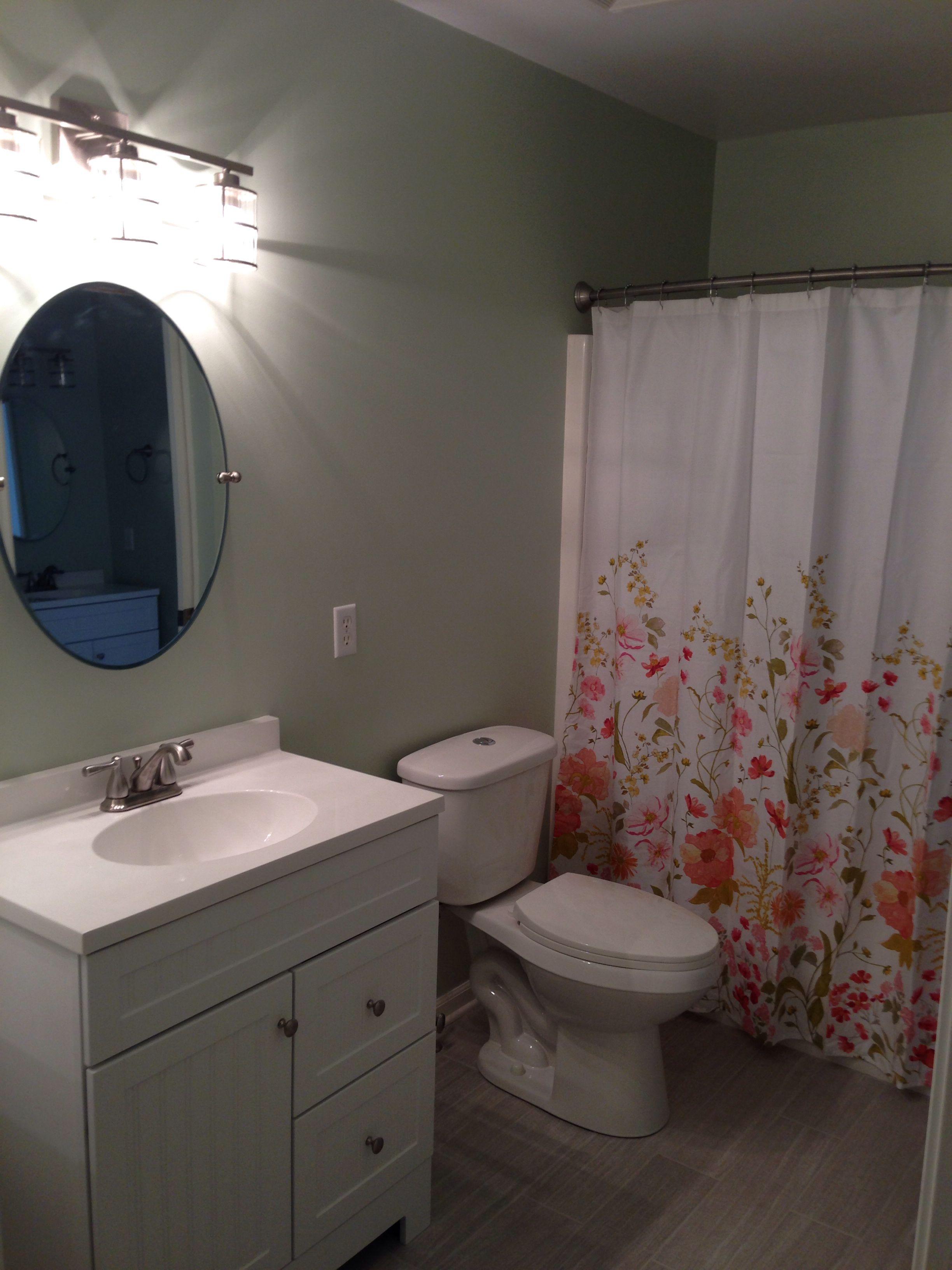 Bathroom -. Paint Hollingsworth Green Benjamin