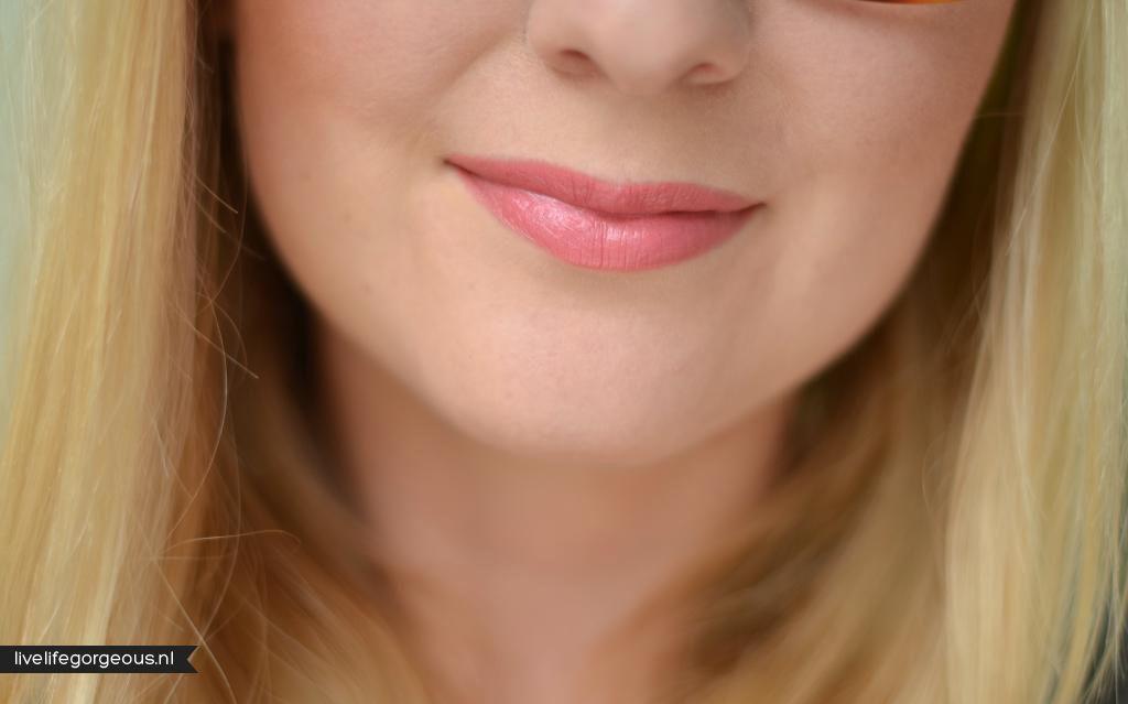 Wink Pink (#82637) http://www.eyeslipsface.fr/produit-beaute/rouge-a-levres-hydratant-studio