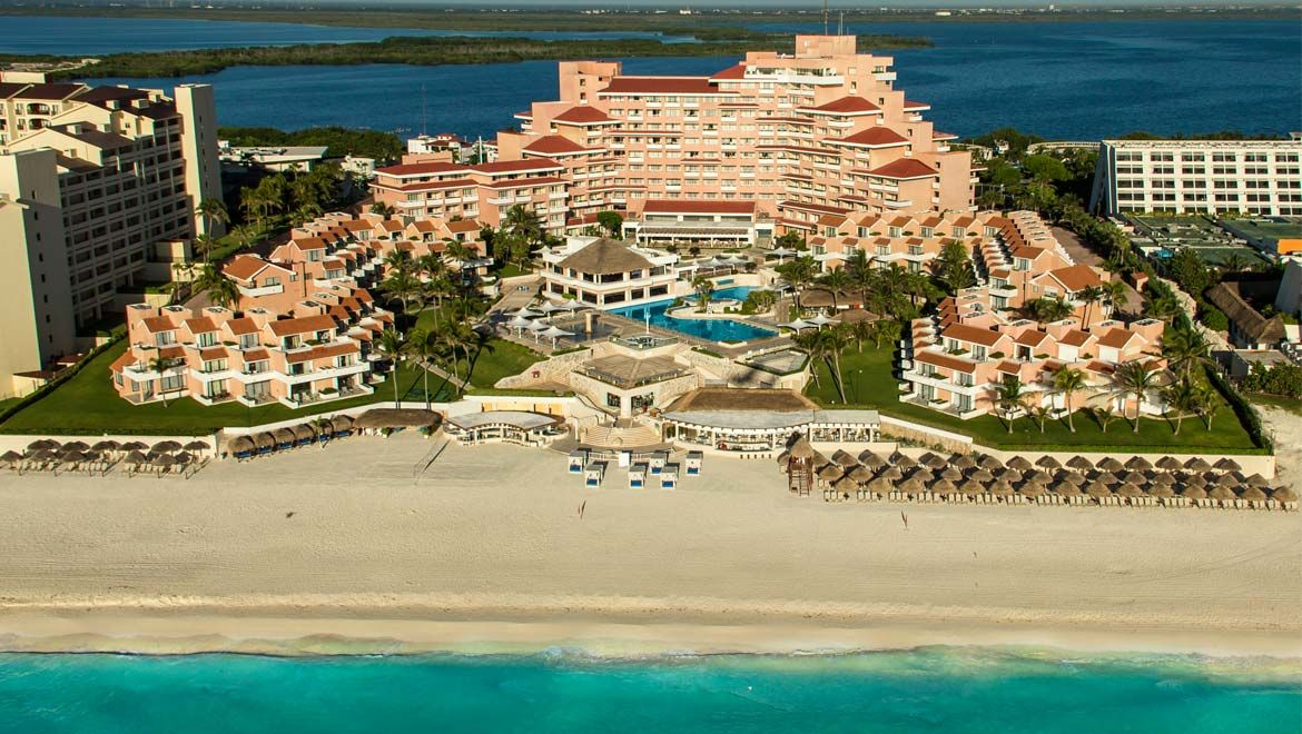 The All Inclusive Omni Cancun Hotel Villas Offers A Luxury Resort Experience In Heart Of Along Glorious Mexican Caribbean