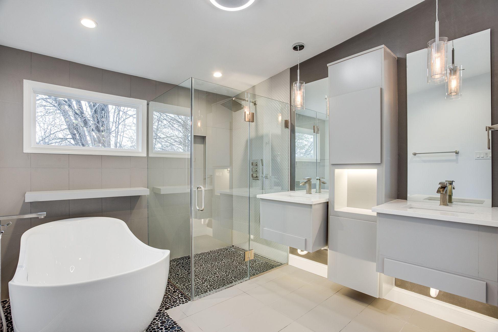 Design Your Dream Bathroom By Award Winning Designer In Virginia Dreambathroom Bathroomdesign Small Bathroom Bathroom Design Gallery Bathroom Design