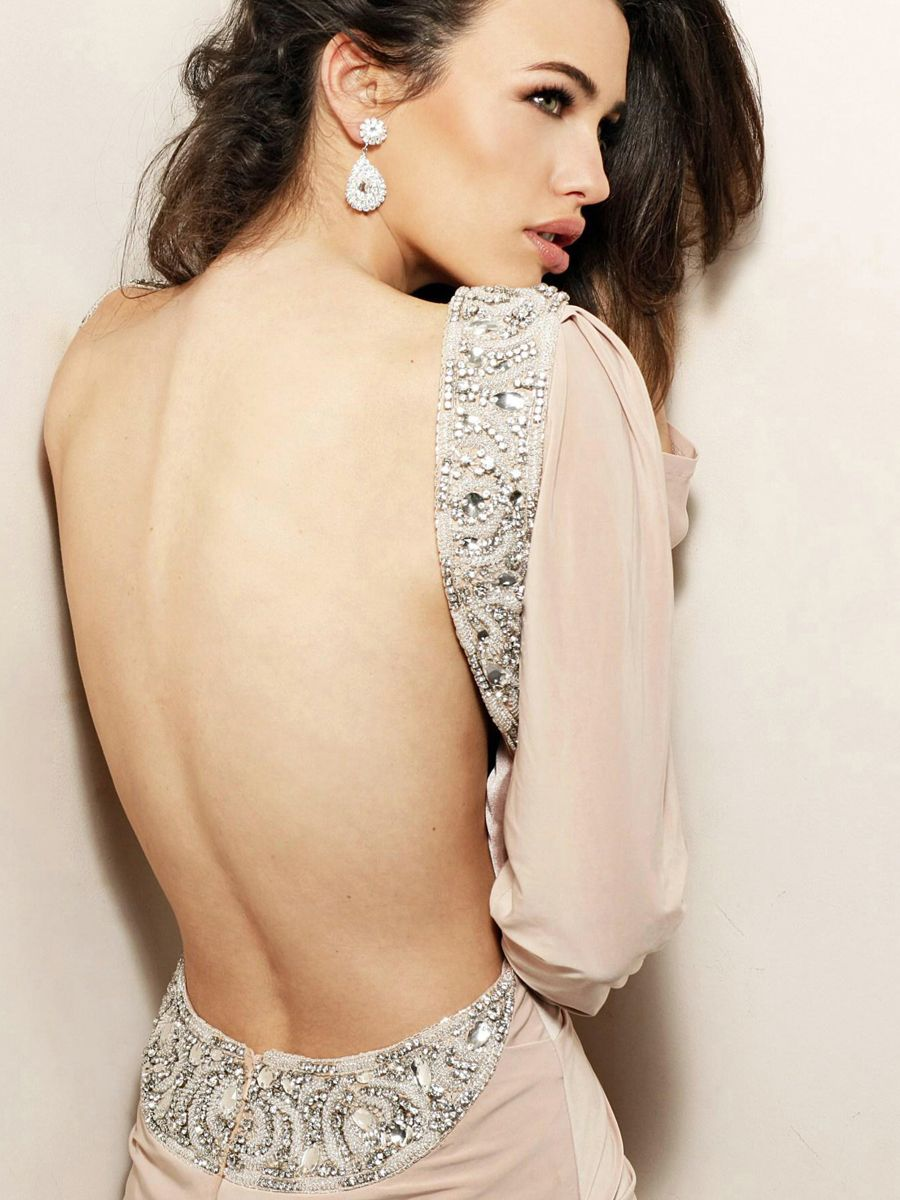 1000  images about Backless Evening Dresses Ideas on Pinterest ...