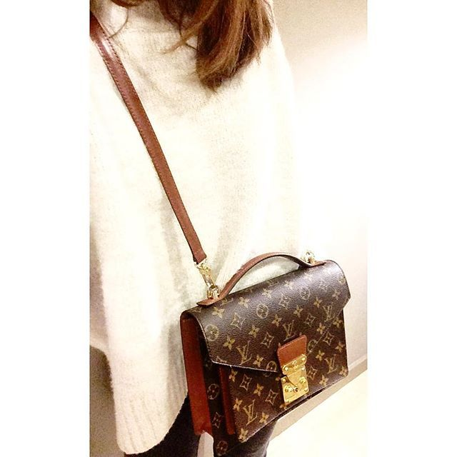 3f3ef76b371c Louis Vuitton Vintage Monceau. Vintage Chanel Bag