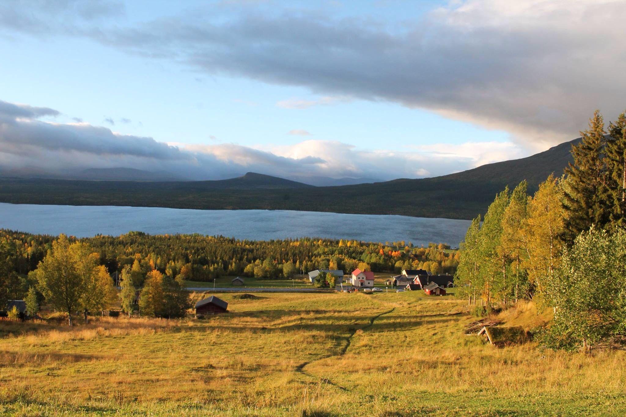 Ottsjö Fjällby in October