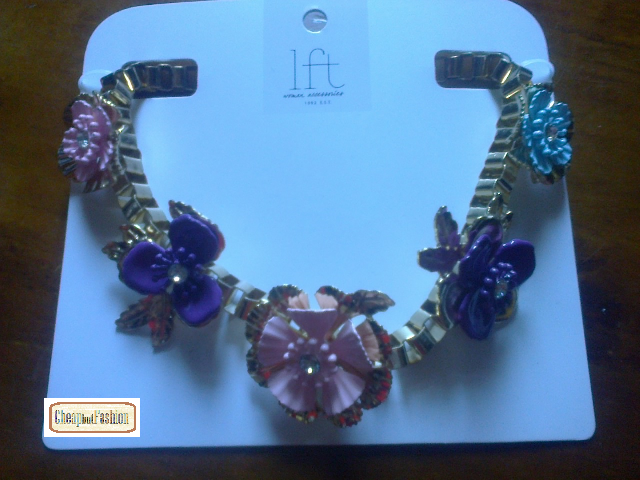 fashion and beauty ... low cost tips!:   Mais acessórios... mais colares... Mais um das L...