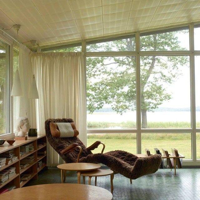 Poltrona Pernilla 3, design de Bruno Mathsson / Casa de Bruno Mathsson em Värnamo, na Suécia. #design #poltrona #conforto #designdemoveis #furnituredesign #chairdesign #chair #comfort #interior #interiores #artes #arts #art #arte #decor #decoração #architecturelover #architecture #arquitetura #design #projetocompartilhar #davidguerra #shareproject #pernilla3 #brunomathsson #house #vernamo #suecia #sweden