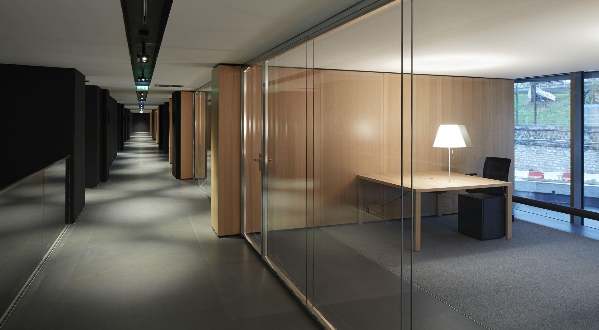 Unifor arredo ufficio parete ap sedie per ufficio for Office design arredo ufficio