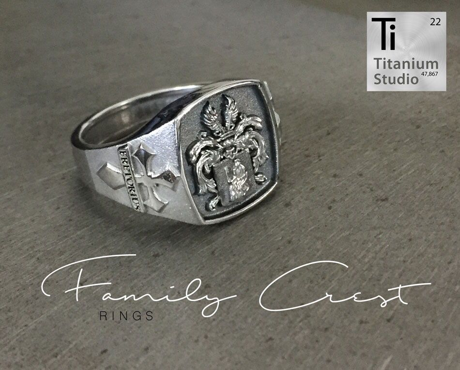 Custom made cast silver family crest / coat of arms ring