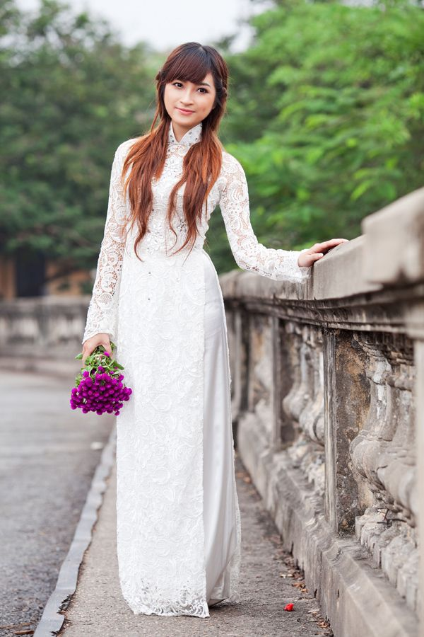 Vietnamese traditional dress. ///////. Vietnamese/English wedding ...