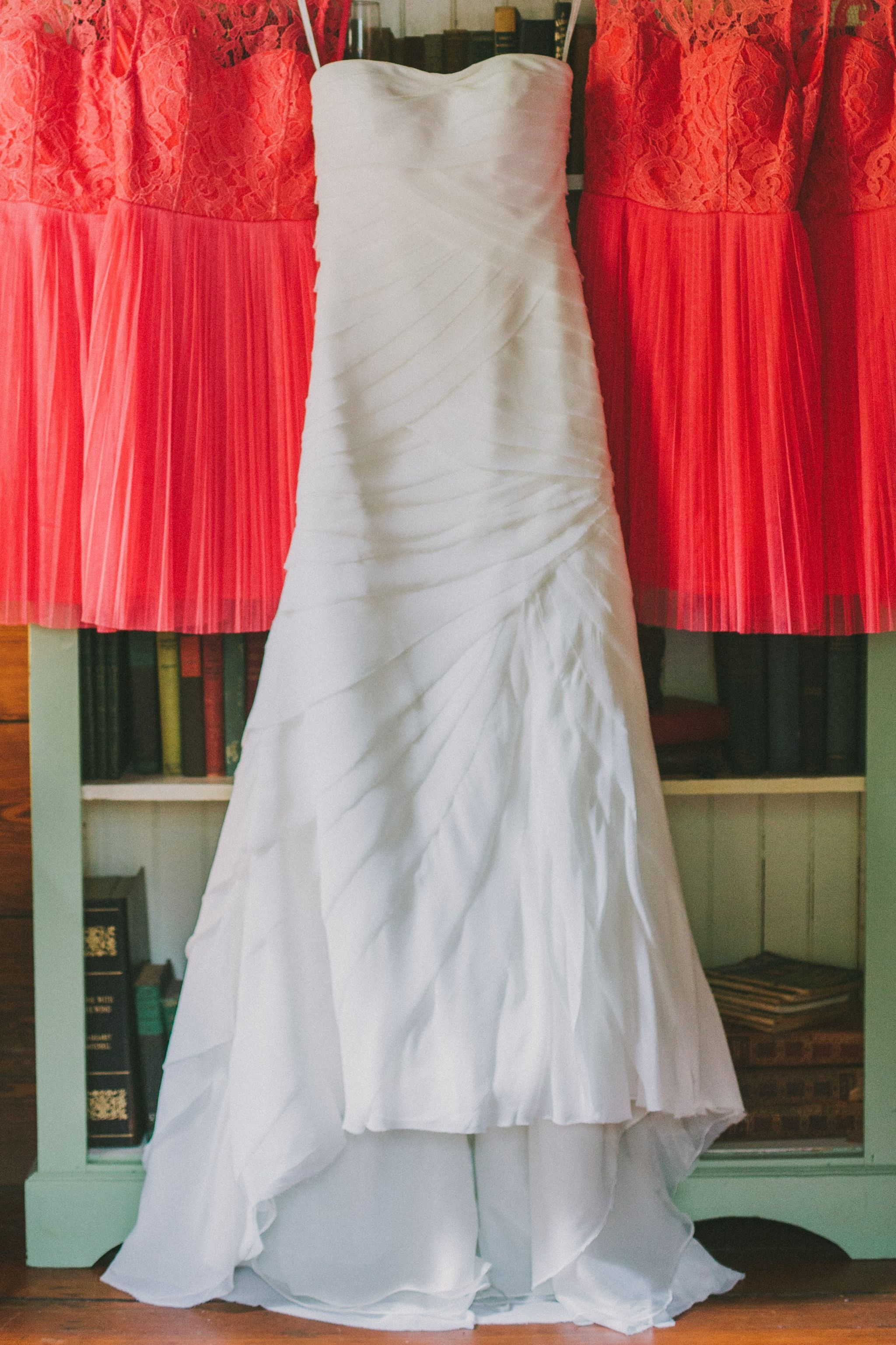 Red wedding dresses vera wang  Vera Wang White VW  Size   Used Wedding Dresses  Vera