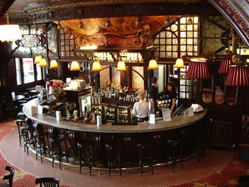 Traditional Pub Bar Counter 1