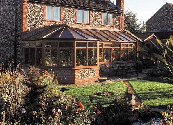P Shaped Conservatories T Shaped Conservatory Pictures Conservatory Design Uk Conservatory Design House Design Conservatory
