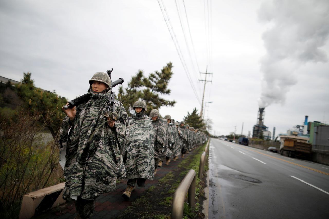 U S South Korea Resume Low Key Military Drills Ahead Of Talks With North Korea Women In Combat Military South Korea