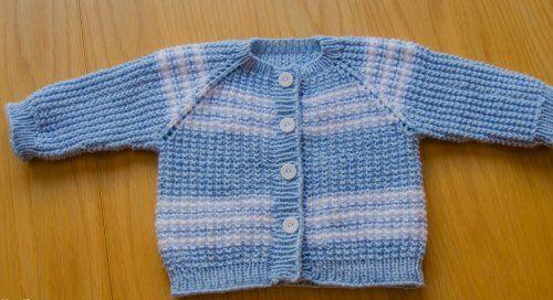 голубая кофточка без швов для новорожденного мальчика спицами