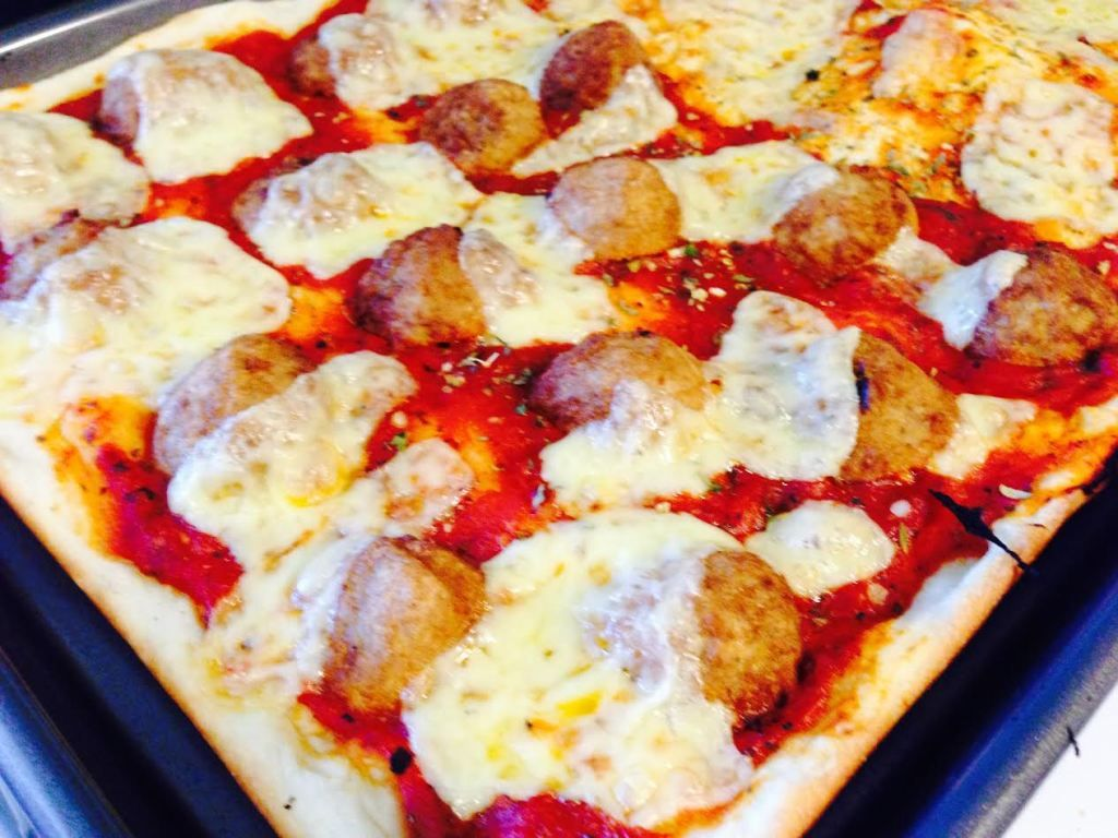 Bobby flays pizza dough recipe pizza two ways the best crust bobby flays pizza dough recipe pizza two ways the best crust recipe ever food network forumfinder Images