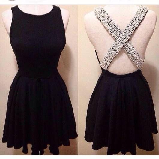 Vestido de festa curto simples e bonito