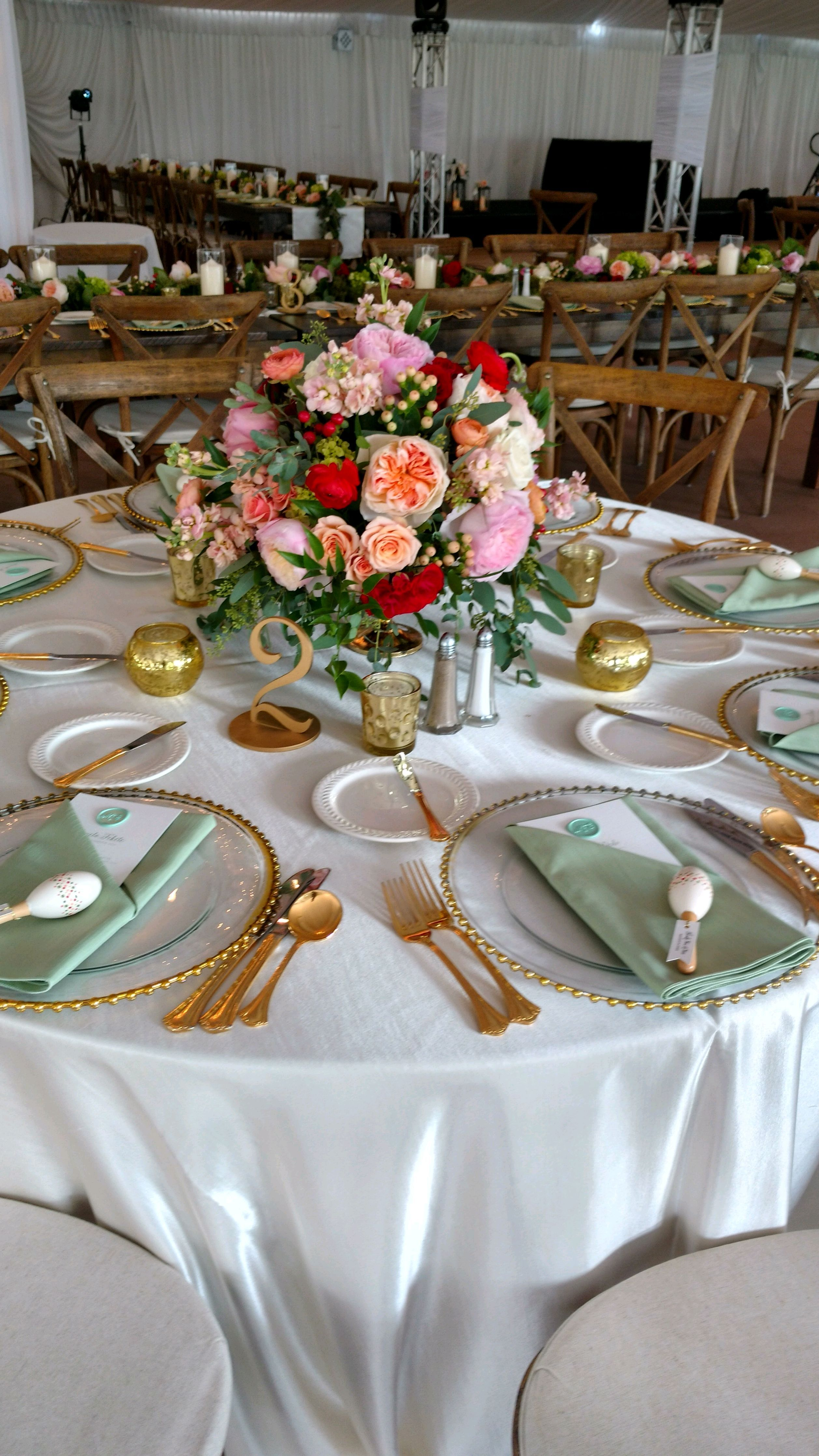 Garden event decor  A colorful table setting in Meadow Brook Hallus Garden Tent  Event